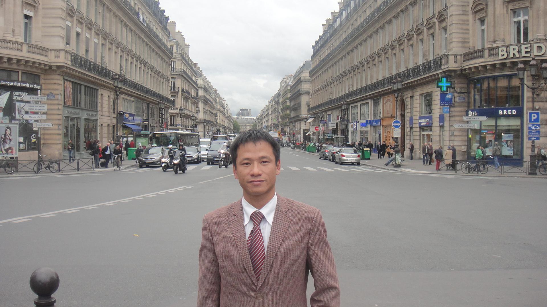 luat-su-nguyen-phu-thang-lam-tai-theatre-national-